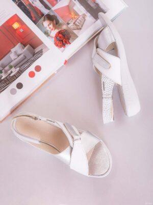 Zapatos de mujer de cuero. Sandalias confort. Chiarini