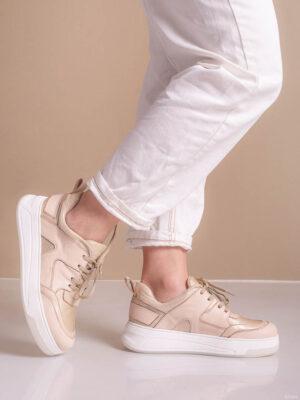 Zapatos de mujer de cuero. Zapatillas chic. La Femme